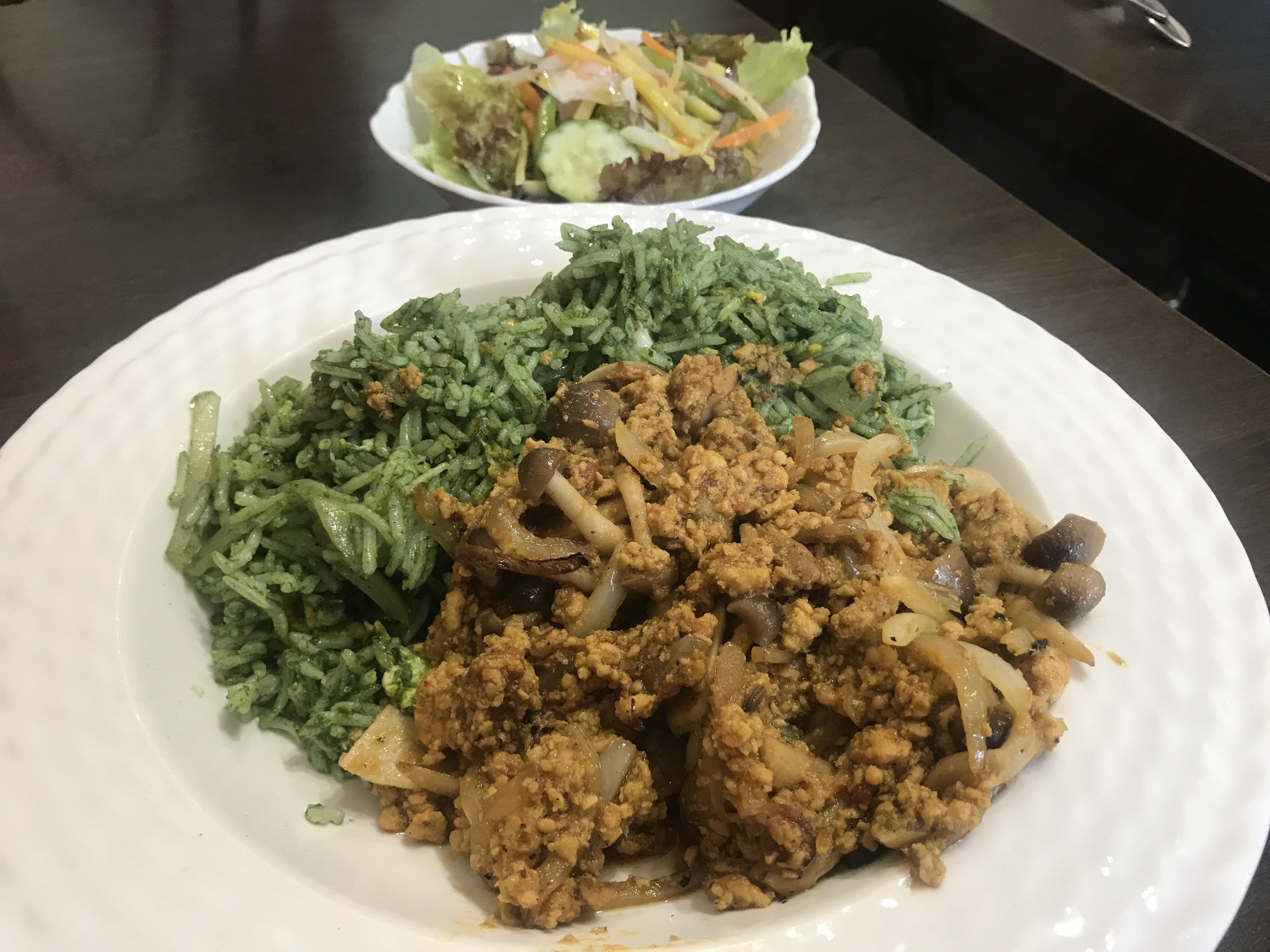 緑色のご飯プラオ
